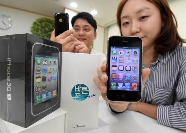 Khó tin: iPhone 3GS mới tinh được bán trở lại! - Ảnh 1.