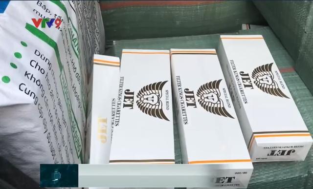 Táo tợn thuê ô tô chạy Grab để vận chuyển thuốc lá lậu từ nước ngoài về Việt Nam - Ảnh 2.