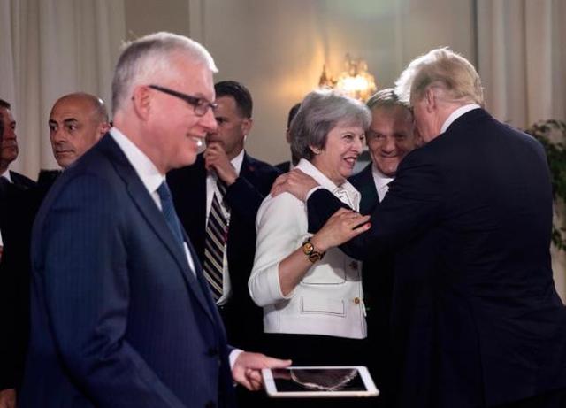 Tổng thống Mỹ đăng ảnh bác bỏ việc bất hòa với các lãnh đạo G7 - Ảnh 3.