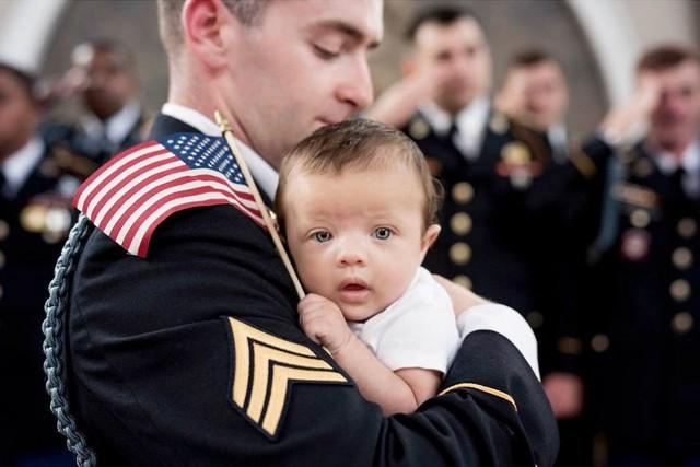 Câu chuyện cảm động của bé gái 3 tháng tuổi và người cha đã qua đời - Ảnh 7.