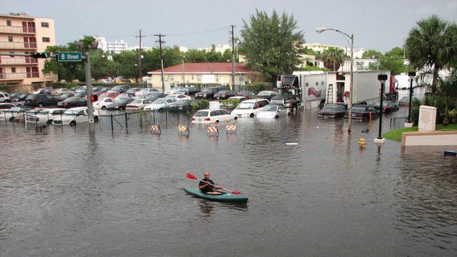 Mỹ: 300,000 ngôi nhà có nguy cơ ngập lụt do nước biển dâng đột biến - Ảnh 1.