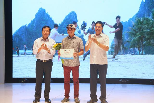 Chi đoàn Trung tâm Sản xuất phim truyền hình giành giải Đặc biệt cuộc thi ảnh Nghề báo trong tôi là... - Ảnh 1.