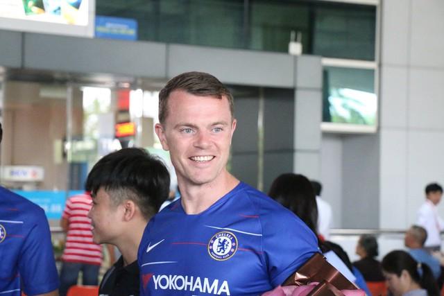 Huấn luyện viên Chelsea bất ngờ xuất hiện tại TP.HCM - Ảnh 2.