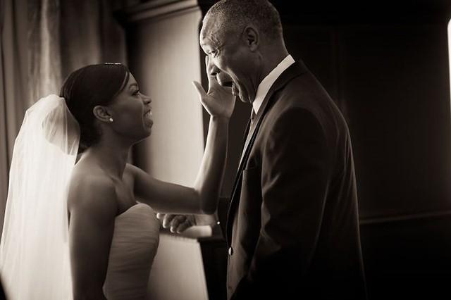 Ai cũng phải rơi nước mắt vì tình cha con trong ngày cưới của con gái - Ảnh 5.