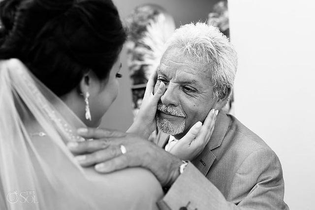 Ai cũng phải rơi nước mắt vì tình cha con trong ngày cưới của con gái - Ảnh 9.