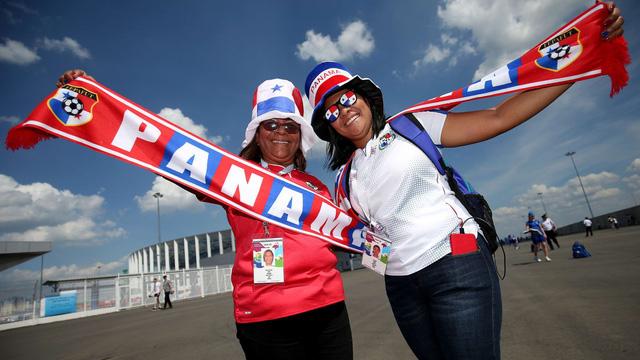 Phá lưới ĐT Anh, cầu thủ và CĐV Panama ăn mừng như thể vô địch FIFA World Cup™ - Ảnh 2.