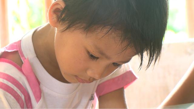 Người mẹ nghèo bất lực nhìn con gái mắc bệnh tim bẩm sinh đau đớn từng ngày - Ảnh 4.