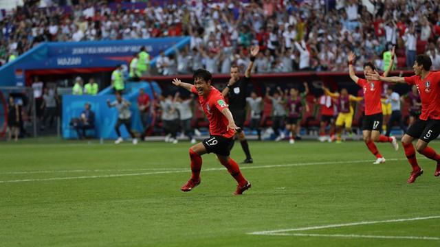 Đội hình tiêu biểu FIFA World Cup™ 2018 ngày 27/6: Rạng danh châu Á - Ảnh 1.
