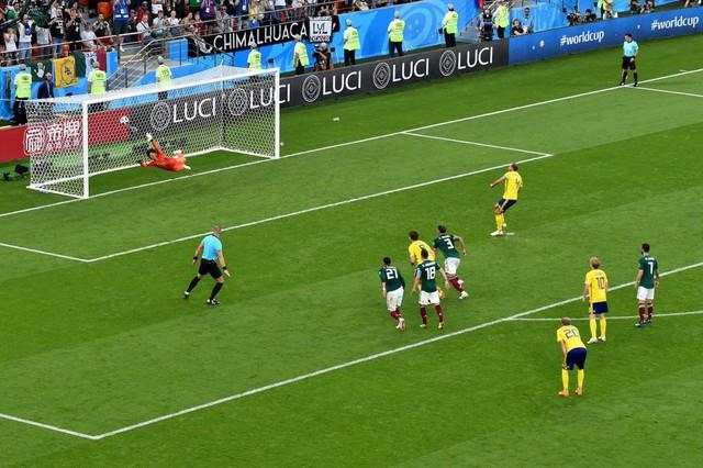 Đại loạn bảng F FIFA World Cup™ 2018: Chuyện kẻ thắng, người thua - Ảnh 1.
