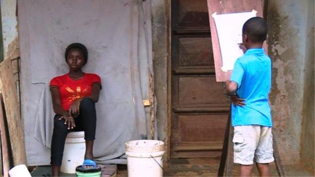 Tài năng của họa sĩ nhí 11 tuổi ở Nigeria - Ảnh 3.