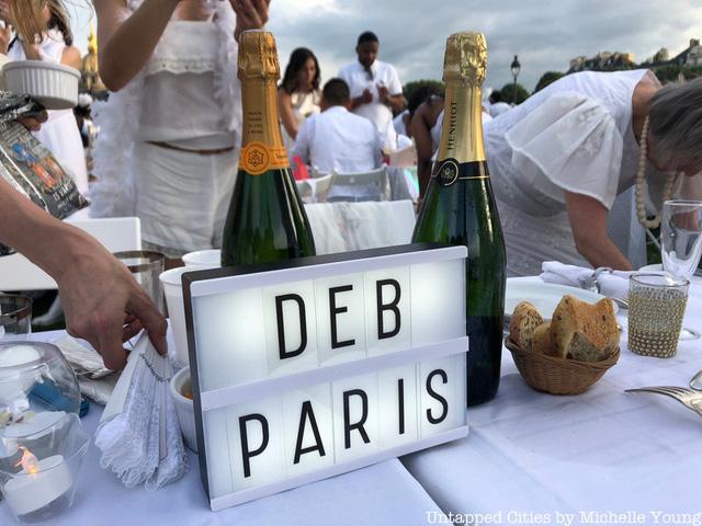 Hàng chục nghìn người tham gia dạ tiệc trắng ở Paris - Ảnh 12.
