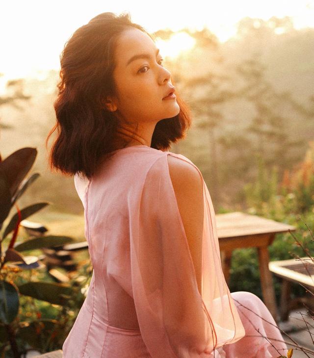 Phạm Quỳnh Anh trở lại làng nhạc với MV Tất cả sẽ thay em - Ảnh 2.