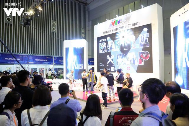 Đông đảo khách tham quan đến với ngày đầu triển lãm Telefilm 2018 - Ảnh 9.