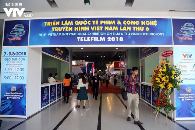 Đông đảo khách tham quan đến với ngày đầu triển lãm Telefilm 2018 - Ảnh 2.