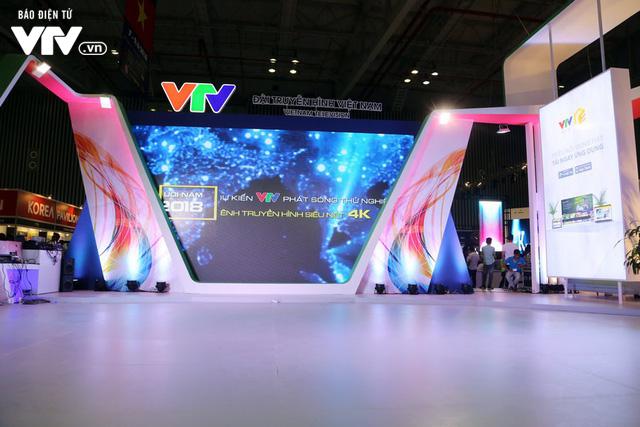 Đông đảo khách tham quan đến với ngày đầu triển lãm Telefilm 2018 - Ảnh 3.
