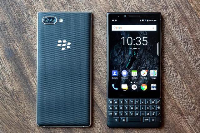 BlackBerry Key2 trình làng: Camera kép, bàn phím qwerty, giá gần 15 triệu đồng - Ảnh 1.
