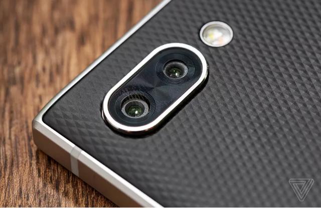 BlackBerry Key2 trình làng: Camera kép, bàn phím qwerty, giá gần 15 triệu đồng - Ảnh 3.