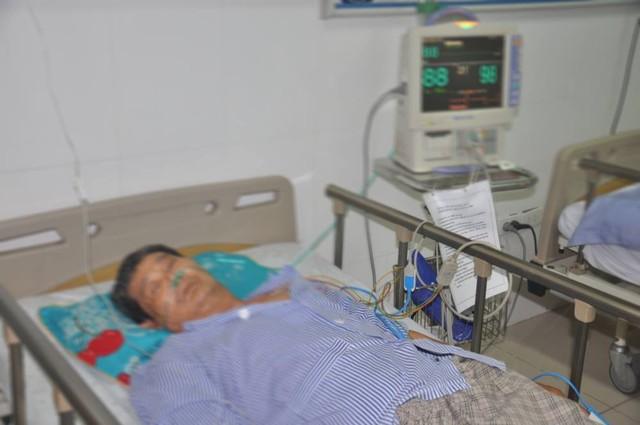 Chườm nóng bằng lá ngải cứu, bệnh nhân đái tháo thường bị bỏng độ 3 - Ảnh 1.