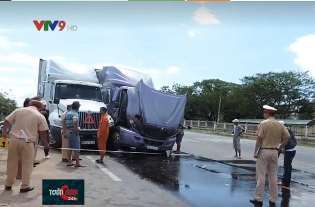 Tai nạn giao thông liên hoàn giữa 3 xe container tại Bình Thuận - Ảnh 3.