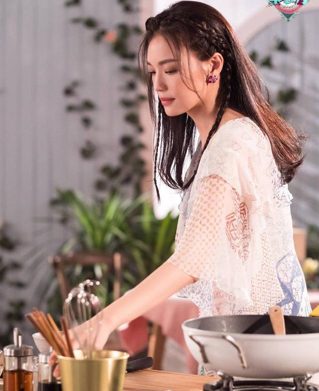Thư Kỳ siêu ngọt ngào bên Triệu Vy và Tô Hữu Bằng - Ảnh 7.