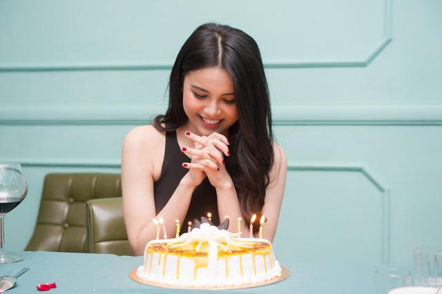 Diễn viên Minh Tiệp đón sinh nhật bất ngờ bên Á hậu Diệu Thùy - Ảnh 3.