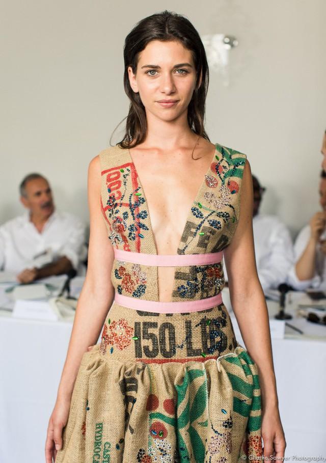 Thời trang từ túi đựng cà phê - Ảnh 4.