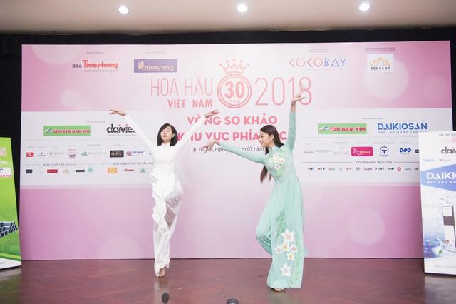 Không chỉ xinh đẹp, dàn thí sinh Hoa hậu Việt Nam 2018 còn vô cùng tài năng - Ảnh 3.
