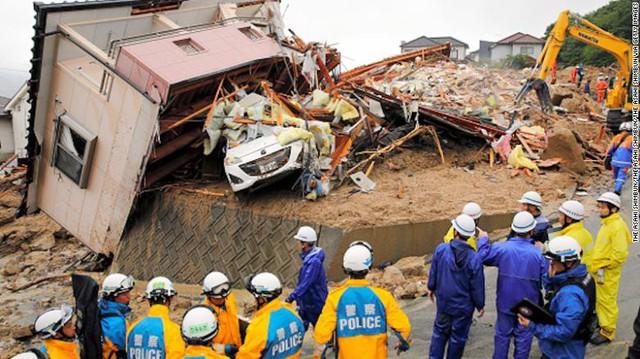 Gia tăng thương vong do mưa lũ ở Nhật Bản - Ảnh 2.