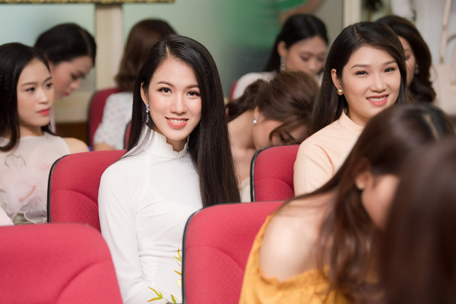Cận cảnh nhan sắc BTV của VTV lọt Chung khảo Hoa hậu Việt Nam 2018 - Ảnh 4.