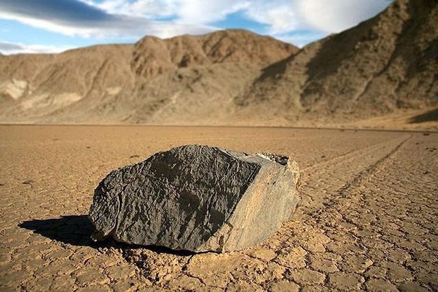"""Sự thật về những hòn đá biết đi ở """"thung lũng chết"""" - ảnh 4"""