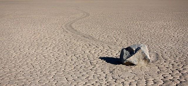 """Sự thật về những hòn đá biết đi ở """"thung lũng chết"""" - ảnh 5"""