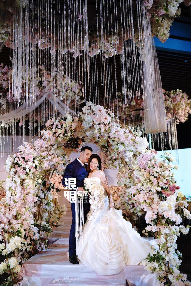 Trần Khôn bảnh bao làm phù rể trong đám cưới sao phim Hoàng Quyền: Dịch thiên hạ - Ảnh 10.