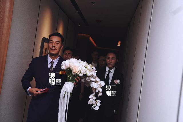 Trần Khôn bảnh bao làm phù rể trong đám cưới sao phim Hoàng Quyền: Dịch thiên hạ - Ảnh 5.
