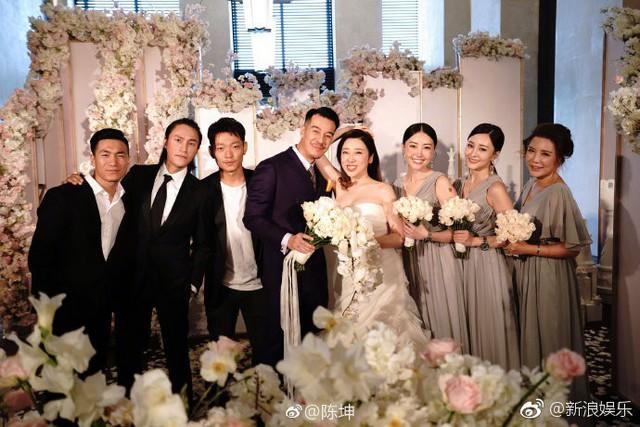 Trần Khôn bảnh bao làm phù rể trong đám cưới sao phim Hoàng Quyền: Dịch thiên hạ - Ảnh 9.