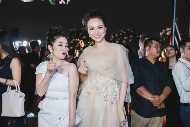 Jenifer Phạm làm giám khảo Hoa hậu Việt Nam Thế giới 2018 - Ảnh 3.