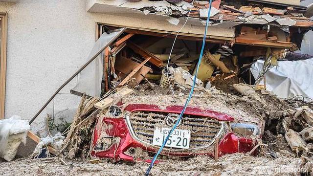 199 người thiệt mạng trong đợt mưa lũ tại Nhật Bản - Ảnh 1.