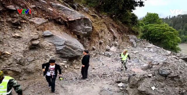 Lở đất tại Tứ Xuyên, Trung Quốc - Ảnh 2.