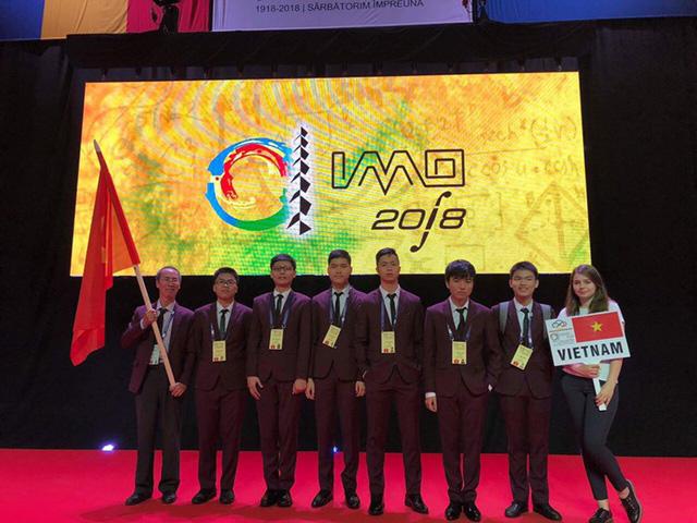 Năm 2018: Đoàn thí sinh Việt Nam giành 13 HCV, 14 HCB, 11 HCĐ Olympic - Ảnh 1.