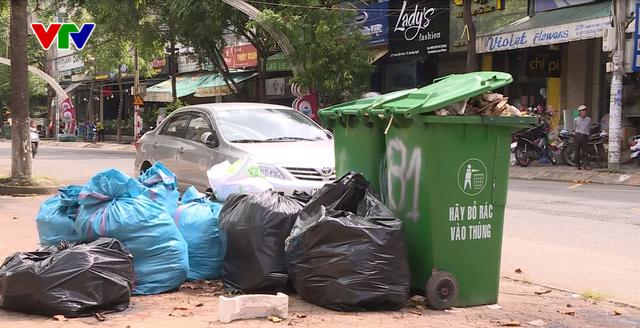 Quảng Ngãi bàn hướng giải quyết hơn 1.500 tấn rác thải ứ đọng - Ảnh 1.