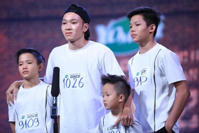 Điều ước thứ 7 - Vũ điệu của ba: Chuyện chàng vũ công 25 tuổi chống chọi bệnh tật nuôi 3 em nhỏ - Ảnh 1.