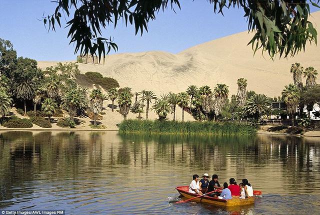 Thị trấn đầy ắp nước nằm giữa sa mạc khô cằn nhất thế giới - ảnh 2