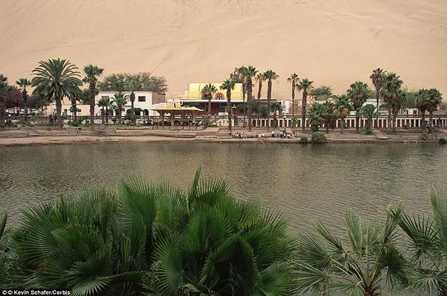 Thị trấn đầy ắp nước nằm giữa sa mạc khô cằn nhất thế giới - ảnh 13