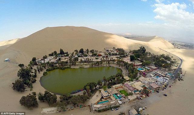 Thị trấn đầy ắp nước nằm giữa sa mạc khô cằn nhất thế giới - ảnh 3