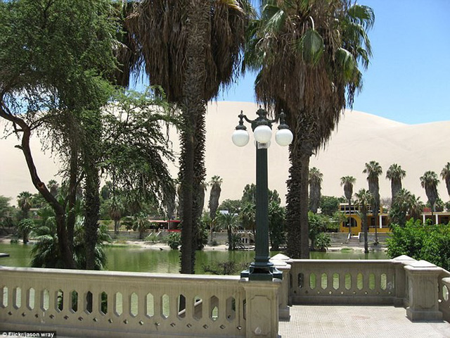 Thị trấn đầy ắp nước nằm giữa sa mạc khô cằn nhất thế giới - ảnh 6
