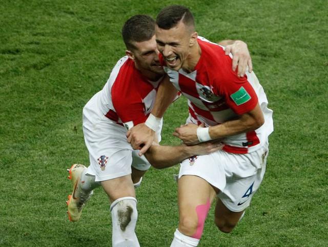 Pháp vô địch: HLV Deschamps làm nên lịch sử, Mbappe xứng danh tiểu Pele và tuyệt vời tinh thần Croatia  - Ảnh 4.