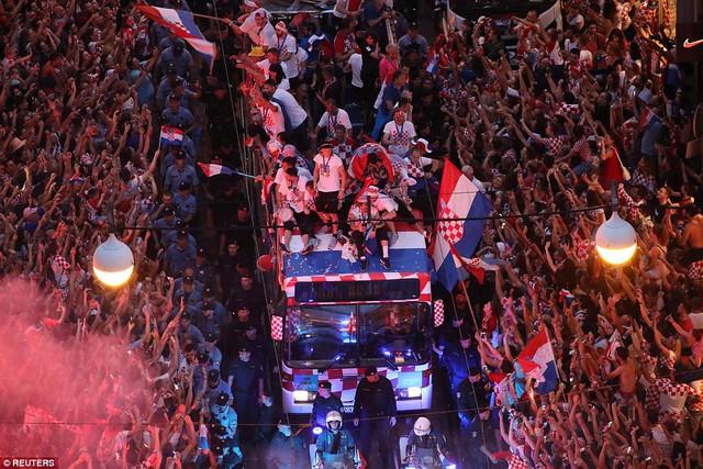 ĐT Croatia trở về sau chiến tích lịch sử: Còn bữa tiệc nào hoành tráng hơn thế? - Ảnh 7.