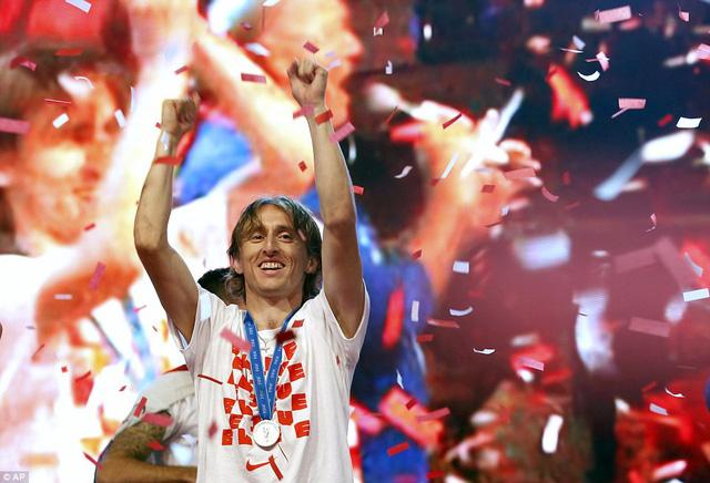 ĐT Croatia trở về sau chiến tích lịch sử: Còn bữa tiệc nào hoành tráng hơn thế? - Ảnh 11.