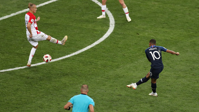 Những khoảnh khắc không thể nào quên của FIFA World Cup™ 2018: Từ siêu phẩm của Ronaldo đến cúp vàng của ĐT Pháp - Ảnh 21.