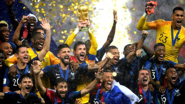 Những khoảnh khắc không thể nào quên của FIFA World Cup™ 2018: Từ siêu phẩm của Ronaldo đến cúp vàng của ĐT Pháp - Ảnh 22.