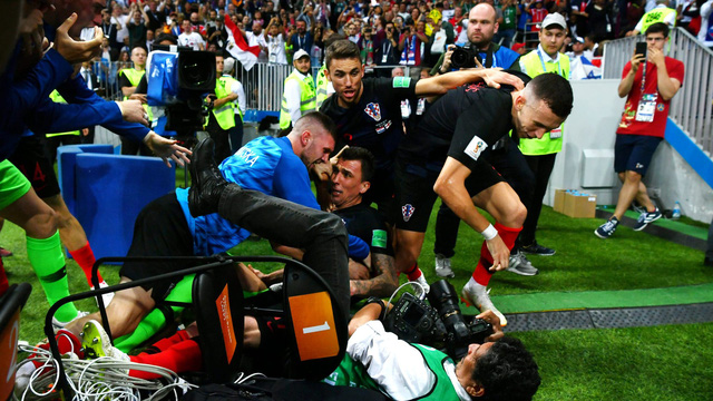 Những khoảnh khắc không thể nào quên của FIFA World Cup™ 2018: Từ siêu phẩm của Ronaldo đến cúp vàng của ĐT Pháp - Ảnh 19.